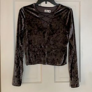 Hollister cropped long sleeved top